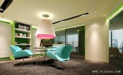 雅逸的小型办公室装修效果图
