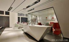 白色素净的120平米办公室装修效果图