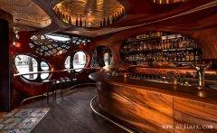 具有艺术创意的生态实木主题酒吧装修